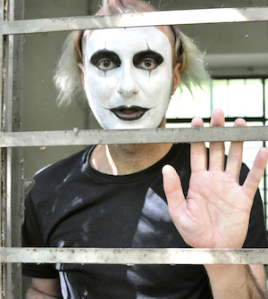 Click my Delirious Mime. Don't leave him all alone in there.